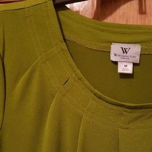 Cute green worthington top medium